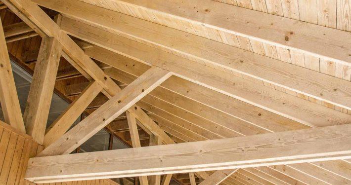 Per tetto in legno stunning ossatura per tetto in legno for Montaggio velux costo