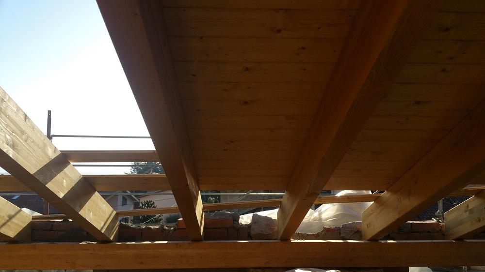 rifacimento tetto legno albavilla